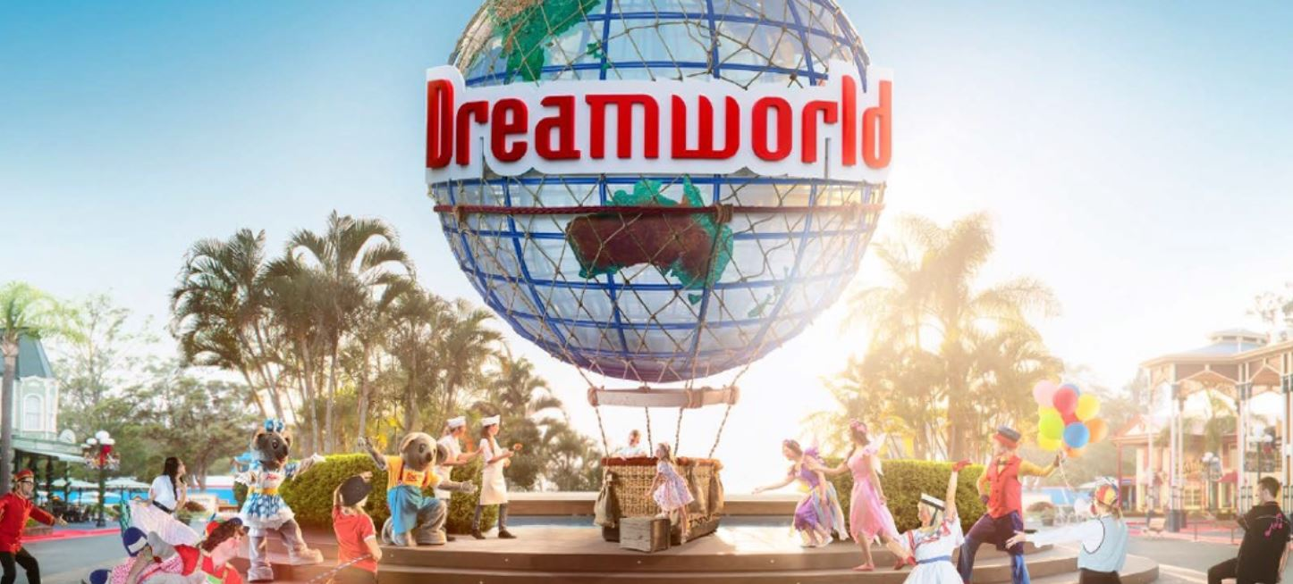Experience all of the fun and adventure of some of the Gold Coast's world-famous theme parks with a great value Dreamworld unlimited season pass!